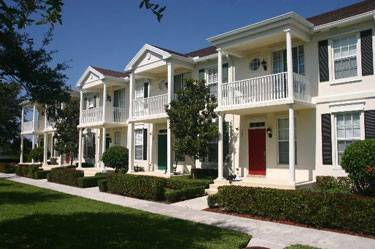 charleston court townhomes